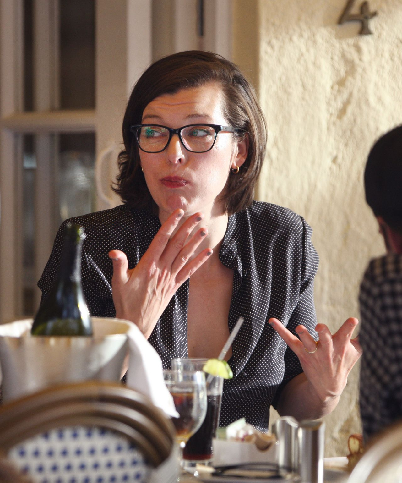 milla jovovich lunch in west hollywood march 2016