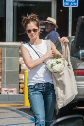 Minka Kelly Shopping at Whole Foods in Los Angeles, 3/18/2016