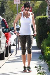 Nicole Murphy Shows Off Her Toned Figure - Leaves Lemonade Restaurant in Beverly Hills 3/18/2016