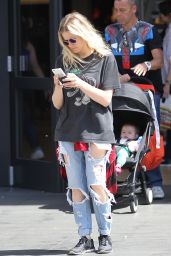 Olivia Dudley Goes Shopping at the Niketown in Hollywood 3/27/2016