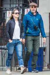 Olivia Wilde and Her Fiance Take a Spring Time Walk in New York City 3/8/2016