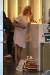 Pamela Anderson at Cristophe Salon in Beverly Hills 3/15/2016