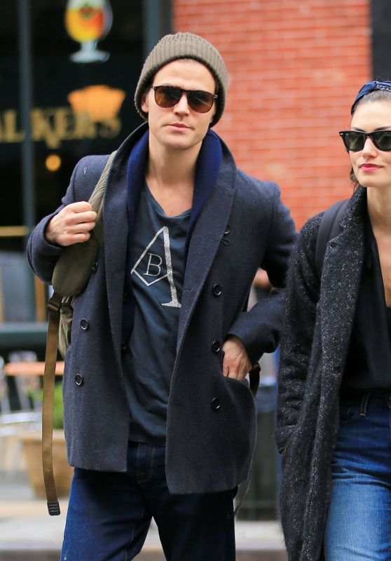Phoebe Tonkin Street Style - Out in NYC 3/25/2016