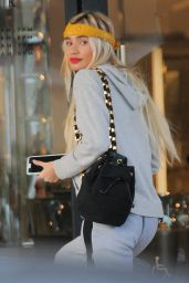 Pia Mia Perez at Barney