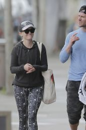 Reese Witherspoon in Spandex - Leaving Yoga Class in Brentwood 3/28/2016