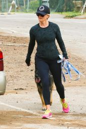 Reese Witherspoon in Tights - Hiking in Brentwood, CA, 3/5/2016