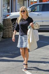 Reese Witherspoon - Out and About in Los Angeles 3/8/2016