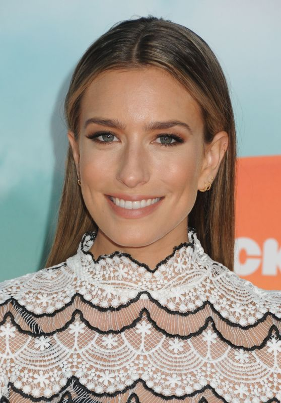 Renee Bargh – 2016 Nickelodeon Kids' Choice Awards in Inglewood, CA