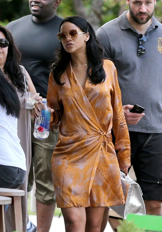 Rihanna Style - Out in Miami, 3/14/2016