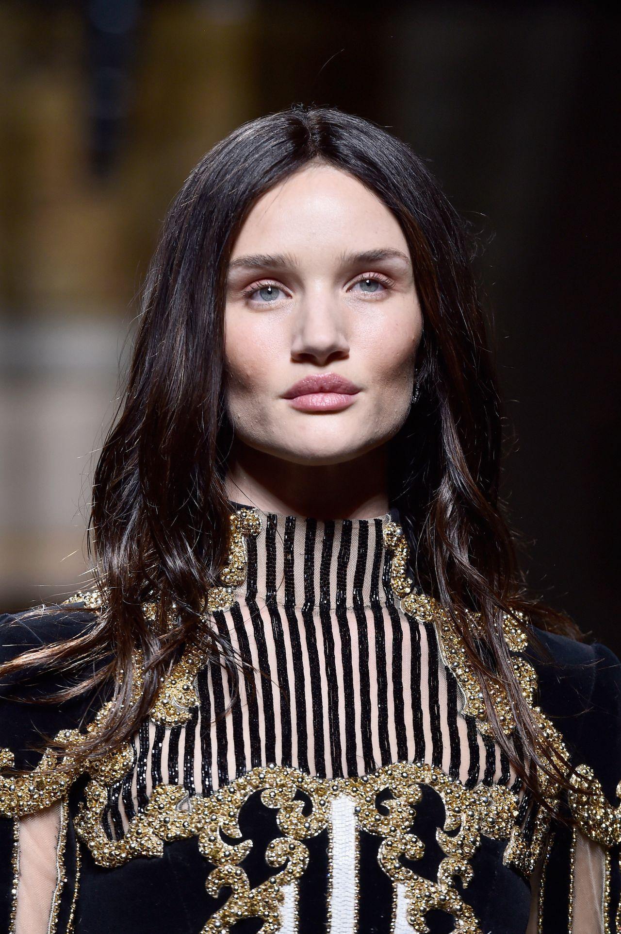 Rosie Huntington Whiteley Balmain Show Paris Fashion