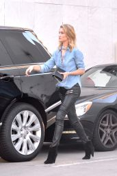 Rosie Huntington-Whiteley Has a Car Accident in Beverly Hills 3/8/2016