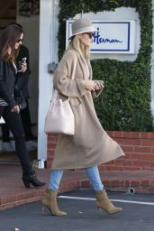 Rosie Huntington-Whiteley Style and Fashion Inspirations - Leaves Fred Segal in West Hollywood 3/15/2016