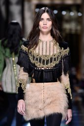 Sara Sampaio – Balmani Fashion Show – Paris Fashion Week 3/3/2016