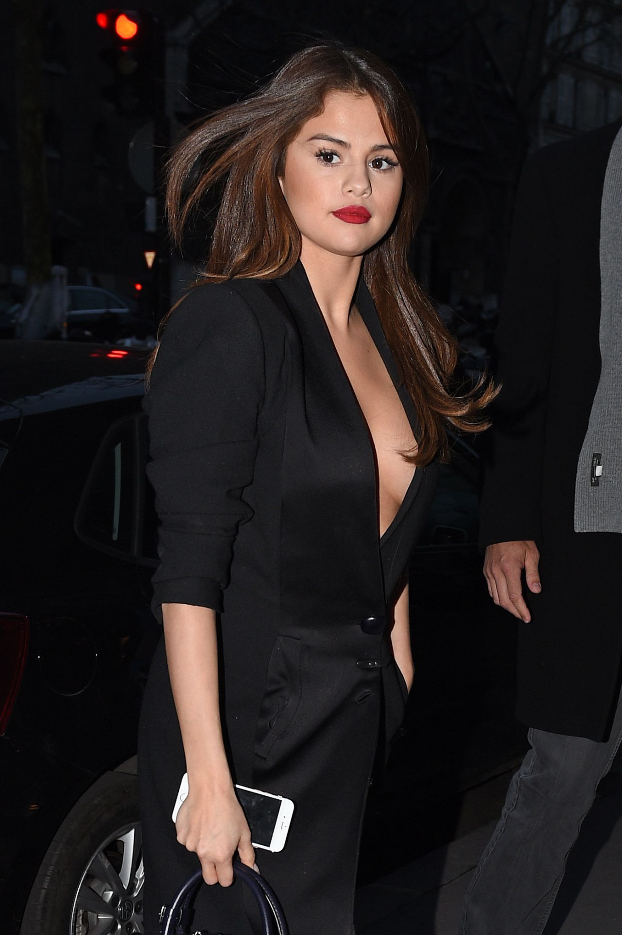 Selena Gomez Night Out Style - Leaving Hotel in Paris, 3/8