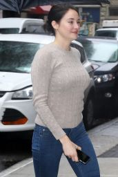 Shailene Woodley Booty in Tight Jeans - Out in NYC 3/14/2016