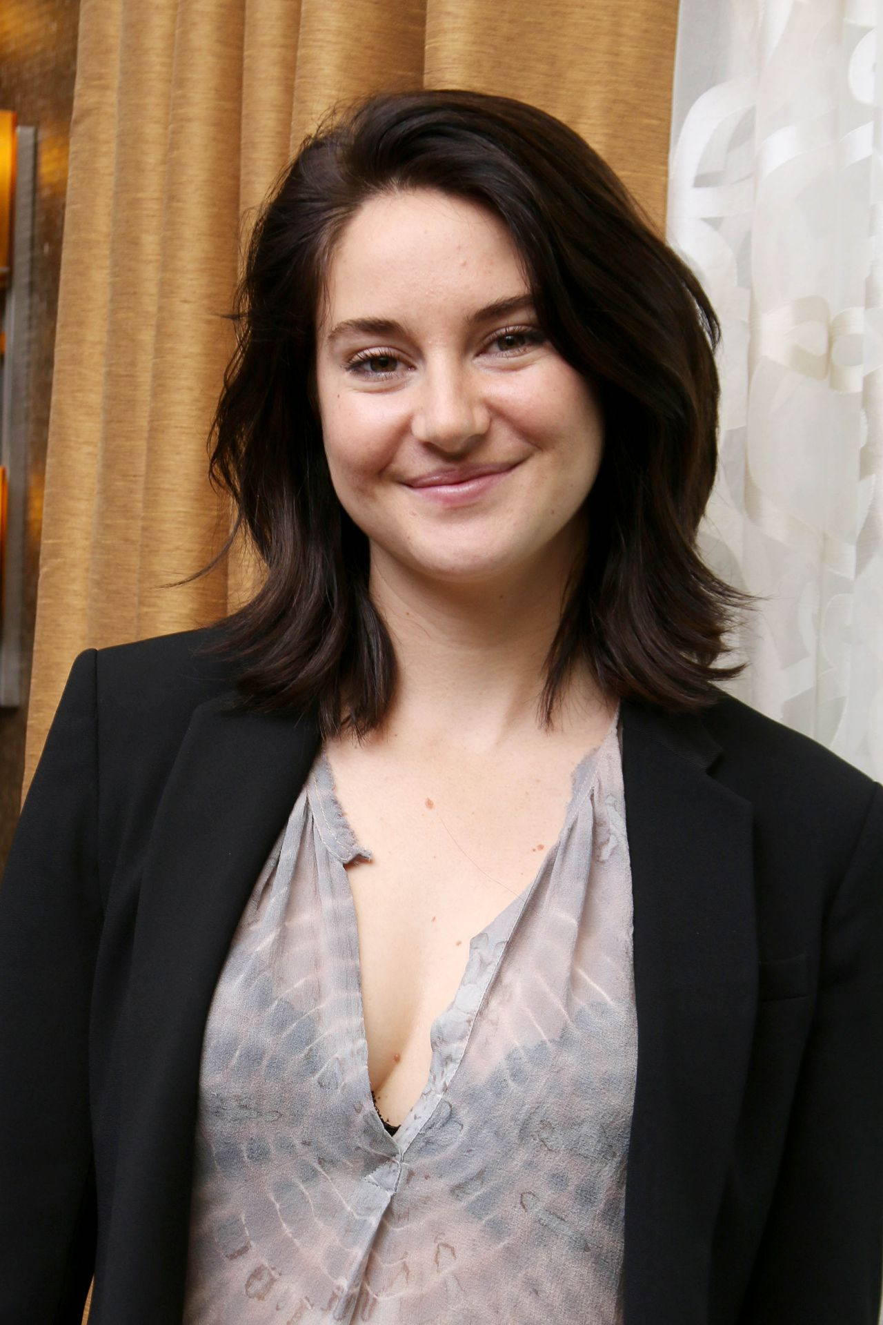 Shailene Woodley The Divergent Series Allegiant Press