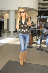 Sheryl Crow Street Style - Arriving into LAX Los Angeles 3/10/2016