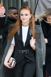 Sophie Turner - Louis Vuitton Fashion Show in Paris 3/9/2016