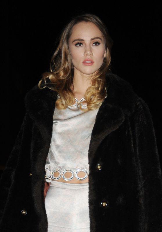 Suki Waterhouse - Arriving at H&M Fashion Show - Paris Fashion Week, March 2016
