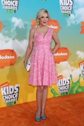 Tori Spelling – 2016 Nickelodeon Kids' Choice Awards in Inglewood, CA