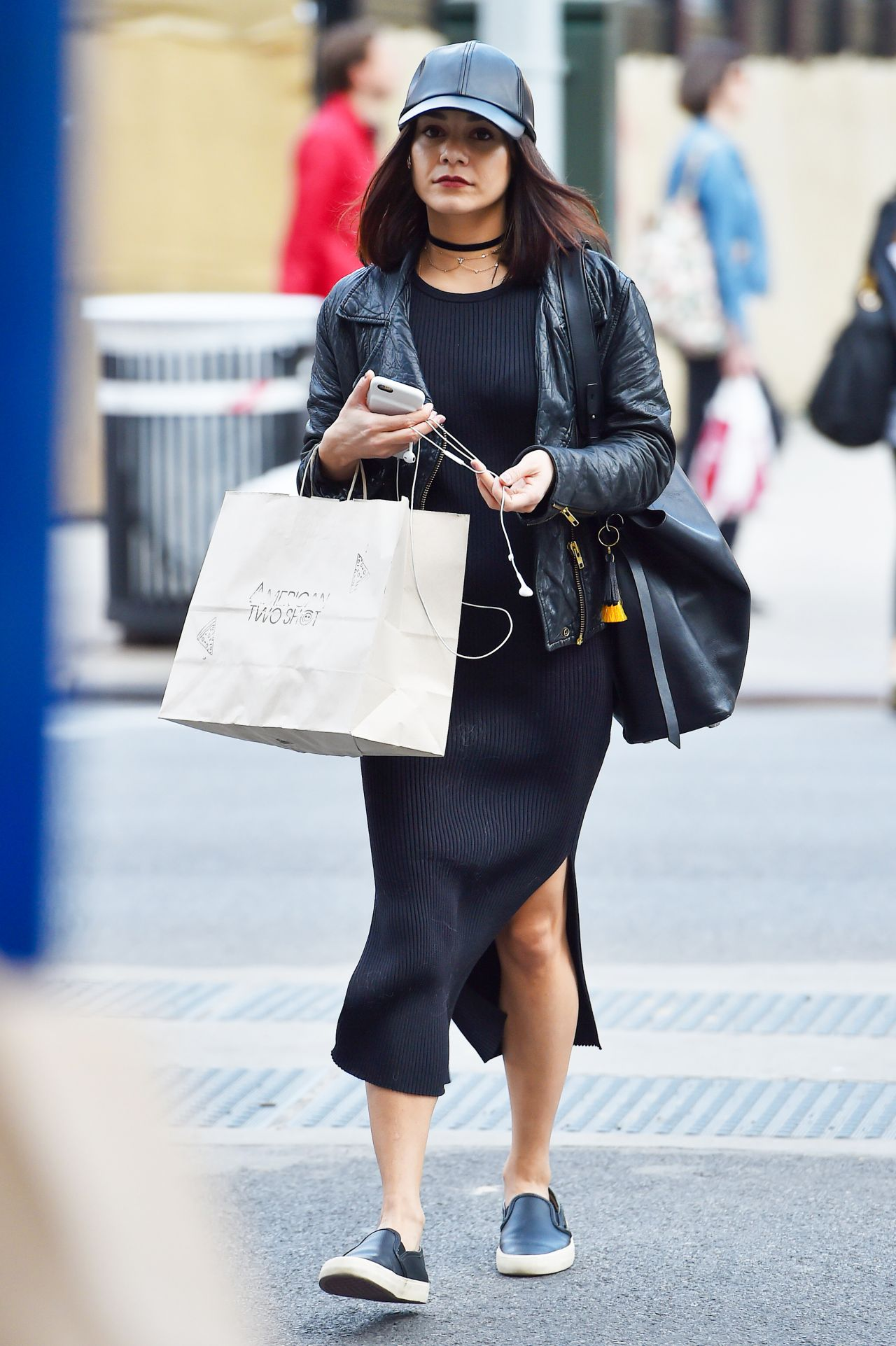 Vanessa Hudgens Shopping At American Two Shot In Manhattan New York City 3 23 2016