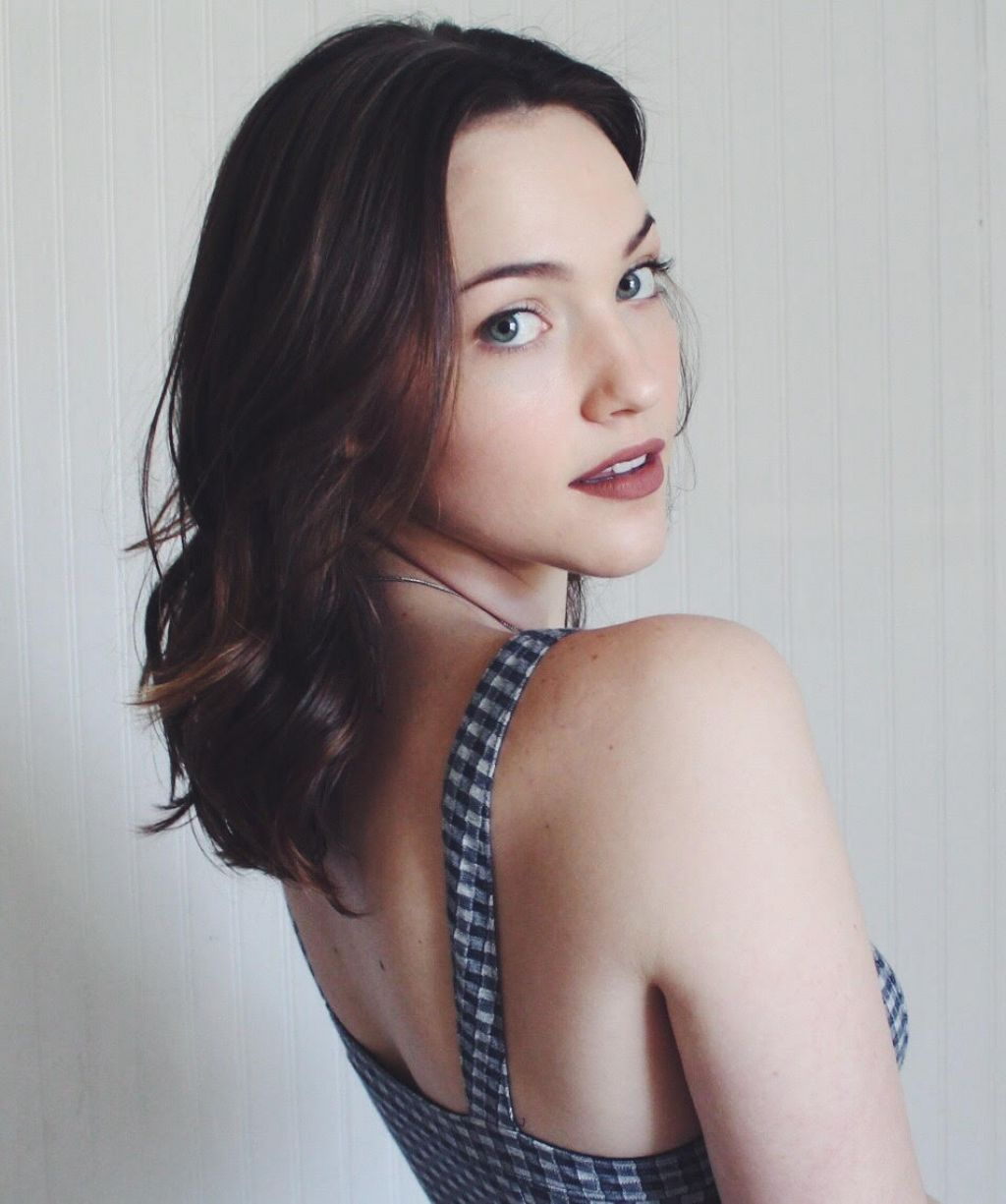 Celebrites Violett Beane nude photos 2019
