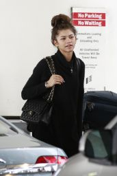 Zendaya Airport Style - at LAX in Los Angeles 3/10/2016
