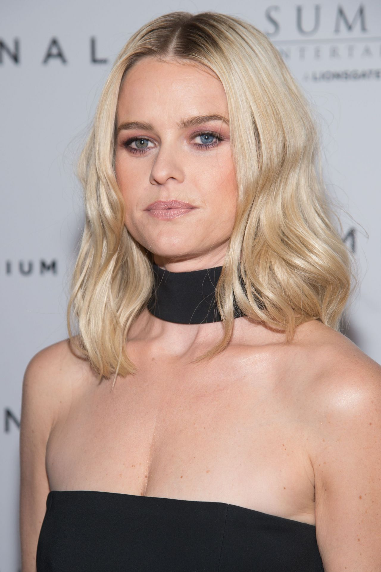 Alice Eve Criminal Premiere In New York City 4 11 2016