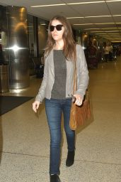 Anna Kendrick - Arriving at LAX Airport in Los Angeles 4/7/2016