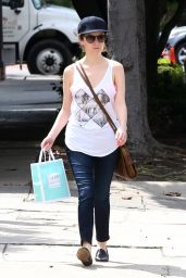 Anna Kendrick - Stops by Kate Somerville in Beverly Hills  4/11/2016