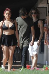 Ariel Winter Street Style - Coachella 2016 in Indio 4/24/2016