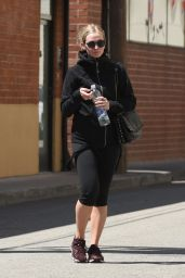 Ashlee Simpson - Leaving the Bin in Los Angeles 4/18/2016