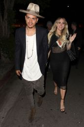 Ashlee Simpson Night Out Style - at The Nice Guy in West Hollywood 4/28/2016