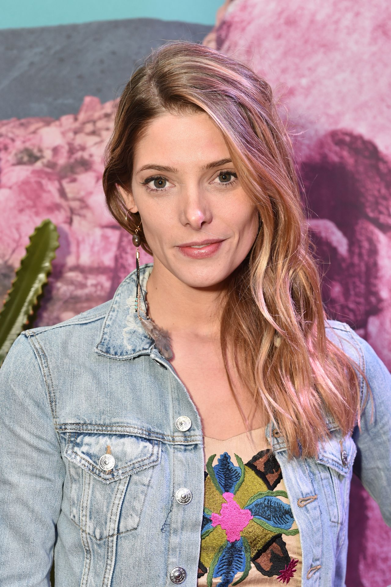 Ashley Greene – H&am...