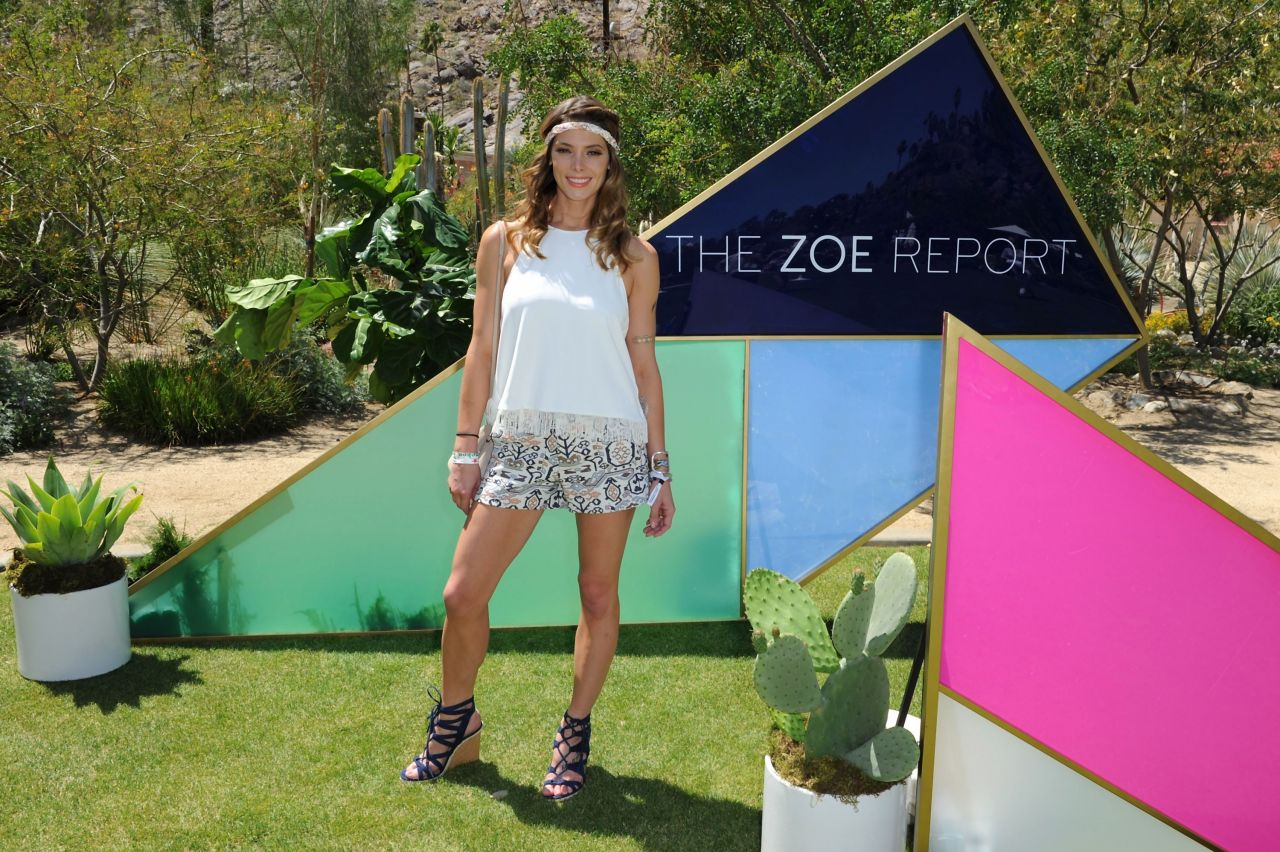 Ashley greene zoeasis presented by the zoe report and The zoe report