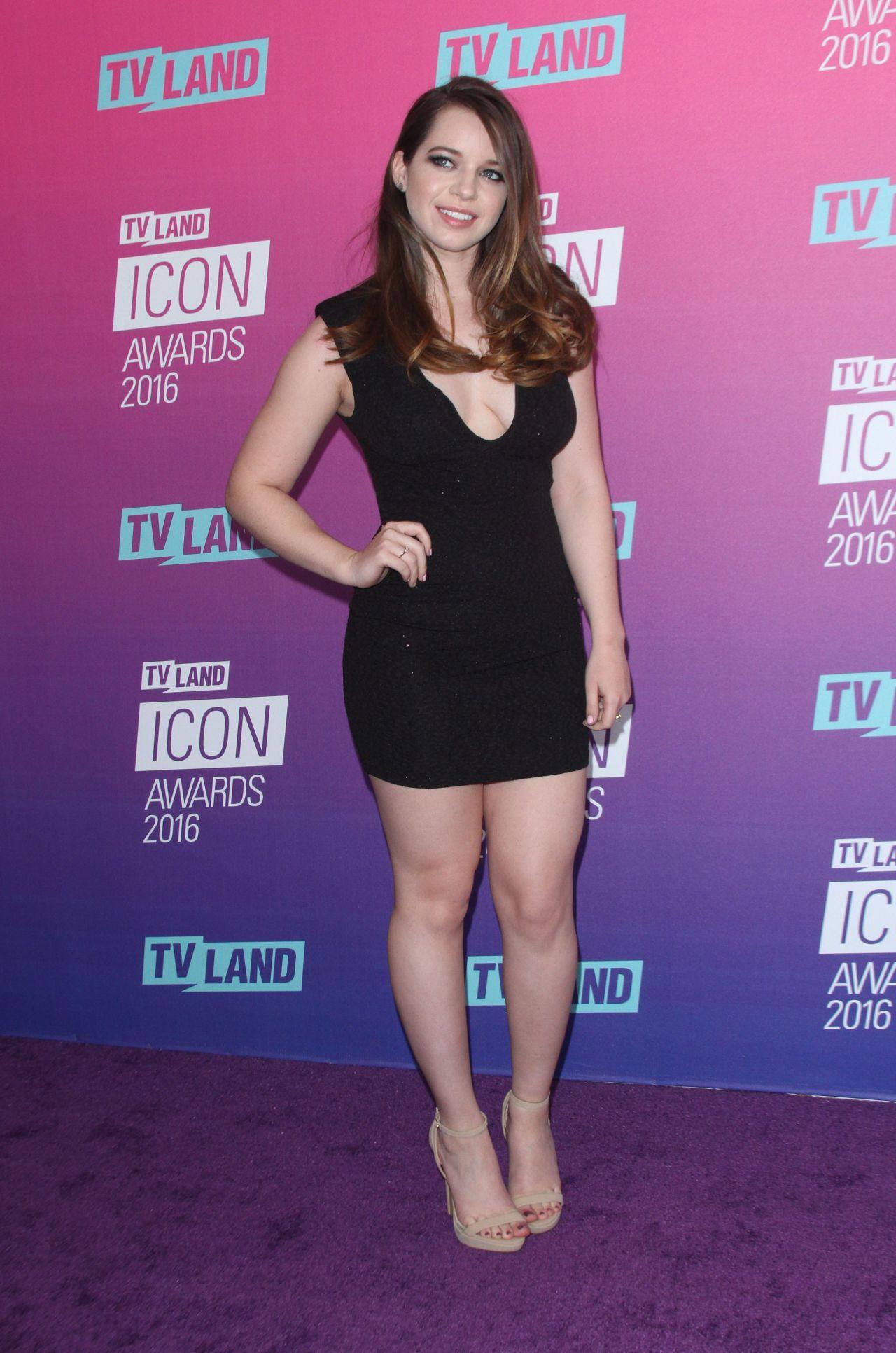 Ashley Zamora 2016 Tv Land Icon Awards In Santa Monica