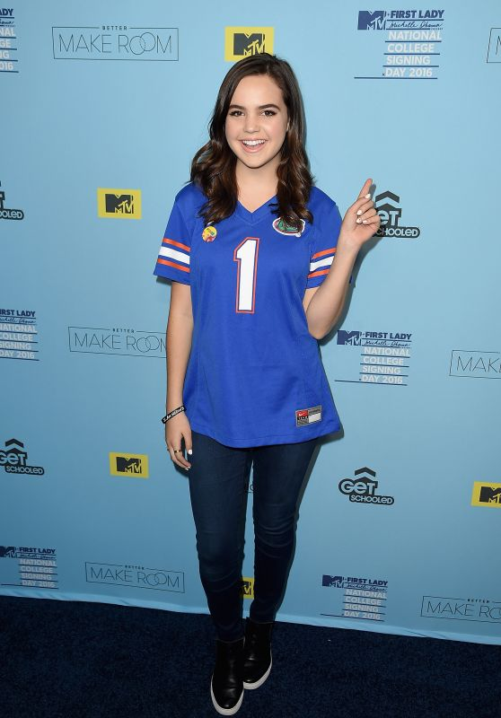 Bailee Madison - 2016 College Signing Day in New York City, April 2016