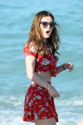 Bella Thorne - Beach in Miami (Part II) 4/7/2016