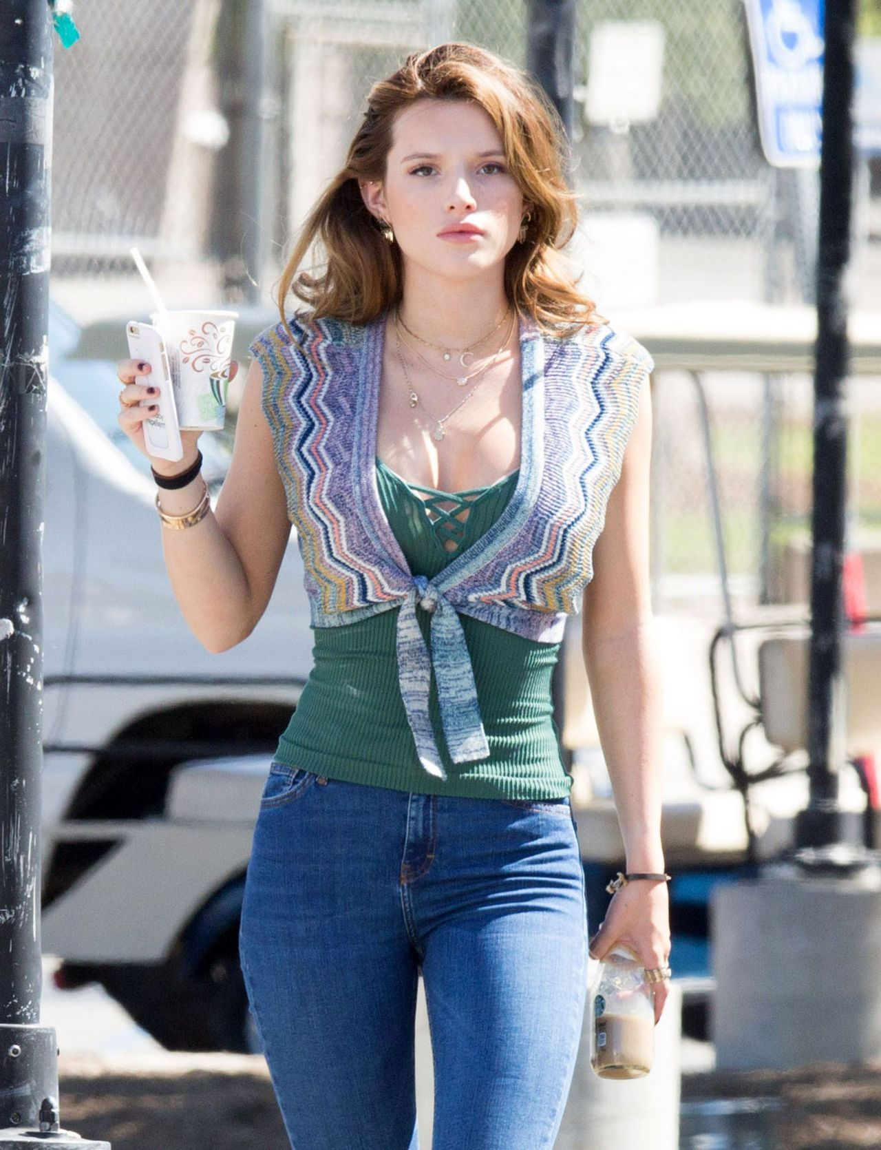 Bella Thorne In Tight Jeans - On The Set Of You Get Me -7547
