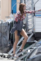 Bella Thorne Shows Off Her Perfect Legs -