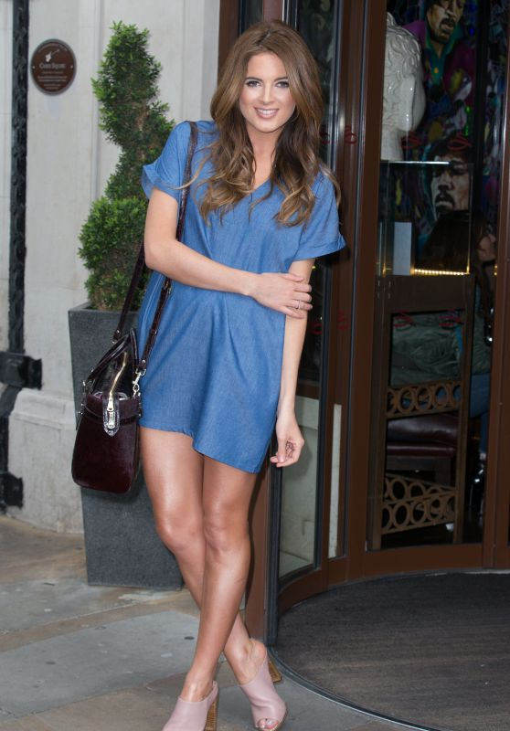 Binky Felstead - Arrives at