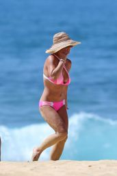 Britney Spears Bikini Candids - Beach in Hawaii 3/31/2016