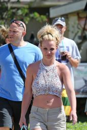 Britney Spears Leggy in Shorts - Hawaii, March 2016