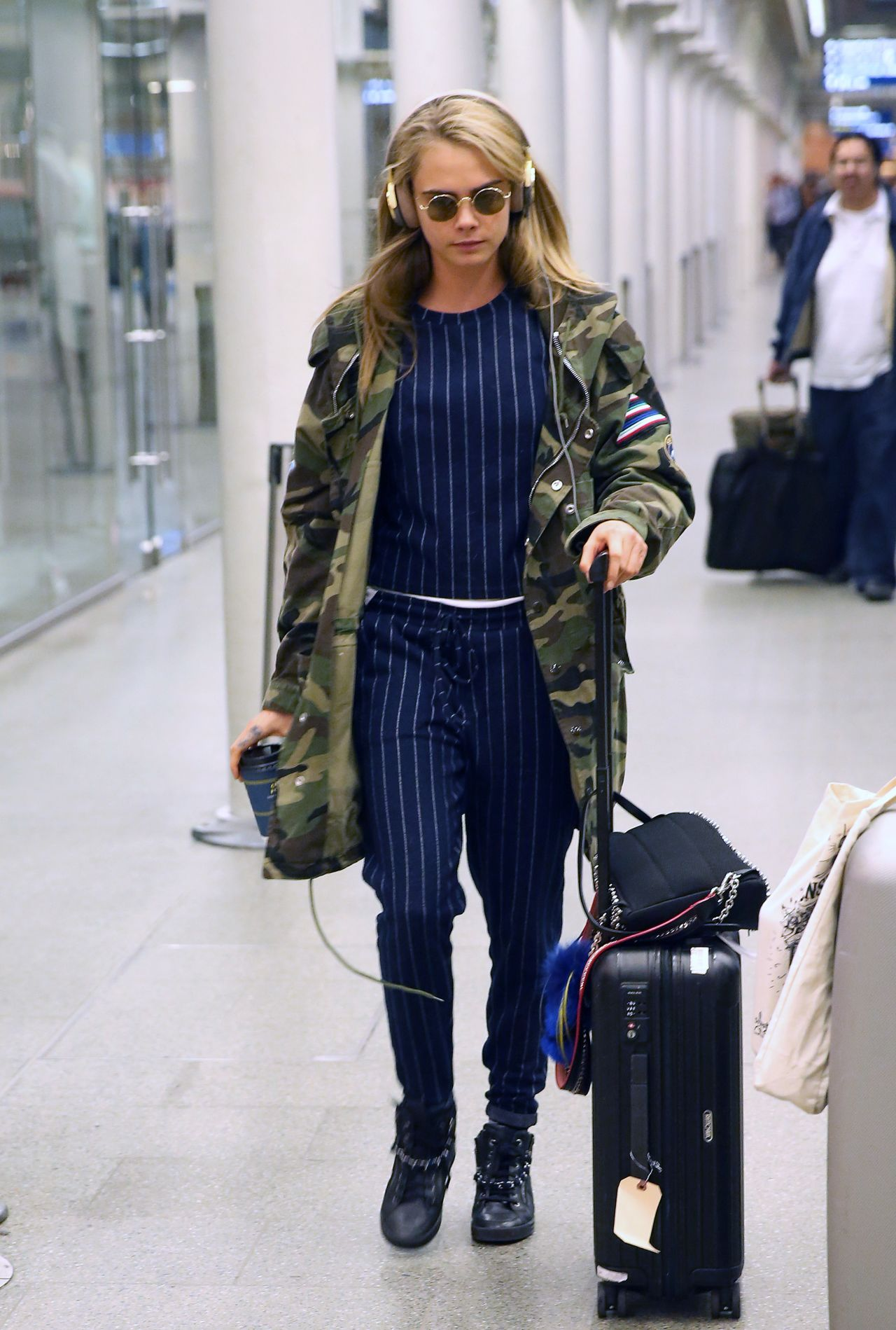 Cara Delevingne Travel Outfit