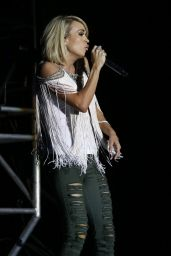 Carrie Underwood - 2016 ACM Party For A Cause Festival in Las Vegas