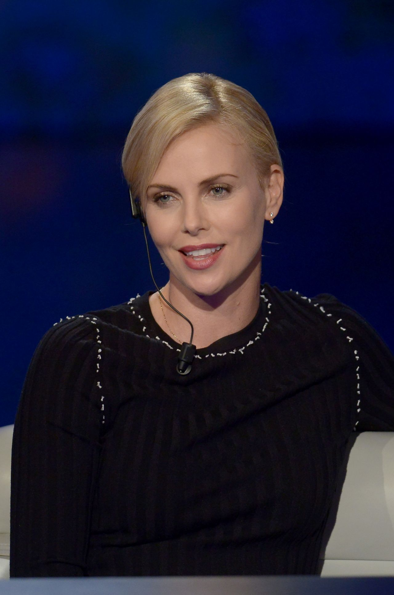 Charlize Theron - On Che Tempo Che Fa in Milan, Italy 3/31 ... Charlize Theron