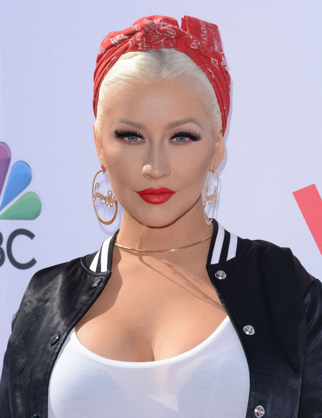 Christina Aguilera The Voice Karaoke For Charity In West