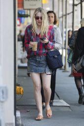 Dakota Fanning Getting Coffee in New York City, April 2016
