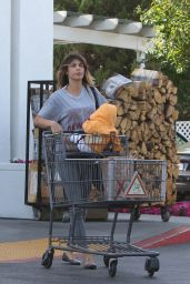Elisabetta Canalis at Bristol Farms in Beverly Hills 4/25/2016