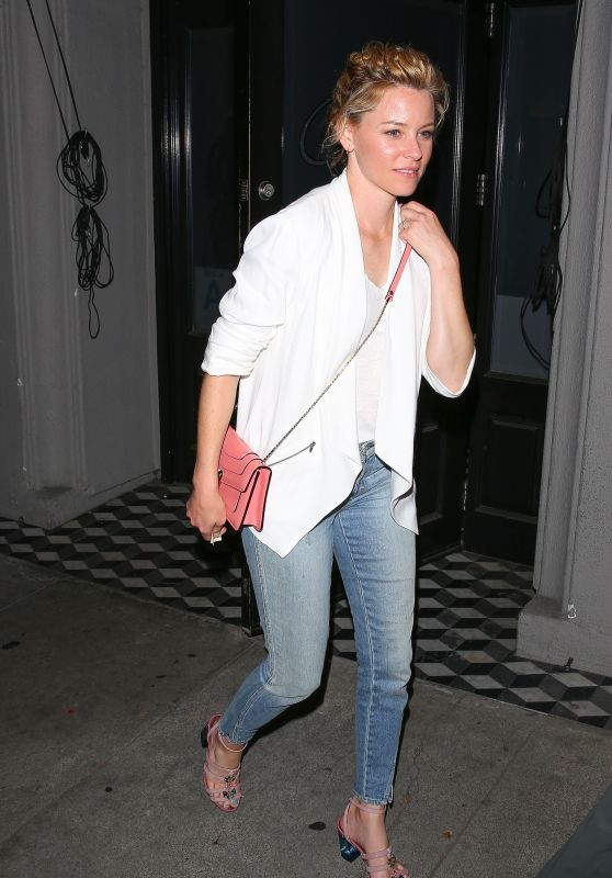 Elizabeth Banks at Craig